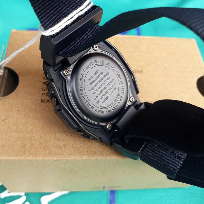 G-SHOCK DW-D5600NH-1D